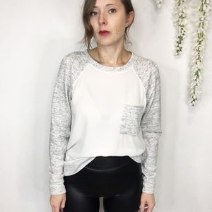 LOU & GREY baseball sleeve top white & gray pocket